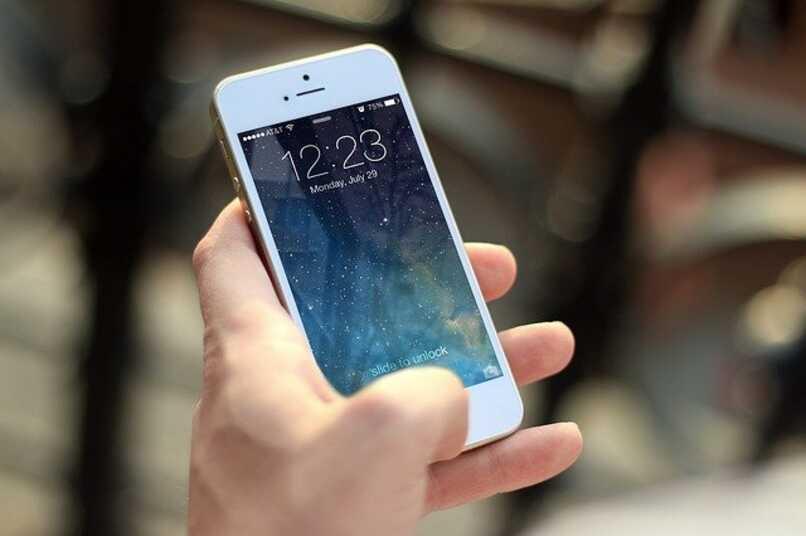 Scattare foto su iPhone con comando vocale